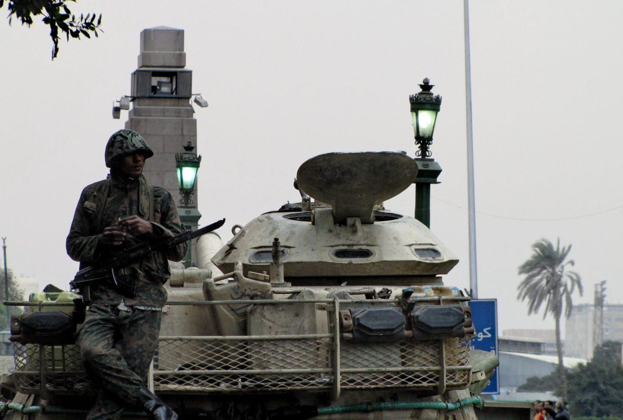Soldier_in_Tahrir-1280x864.jpg