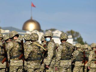 """""""الثورة الثالثة"""" في قرغيزستان.. حرب، تقسيم أم فوضى؟"""