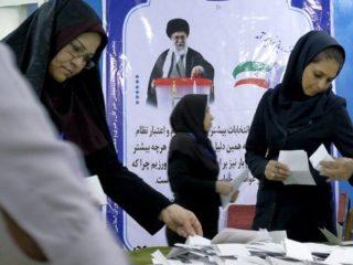 الغارديان: عندما يحكم المتشددون إيران.. على من يرمون اللوم؟
